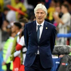 Hinchas argentinos esperanzados en Pekerman como entrenador si descartan a Simeone