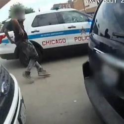 Divulgan video de hombre negro abatido por la Policía en EEUU