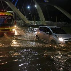 Fuerte aguacero del lunes en la noche generó emergencias en Bucaramanga