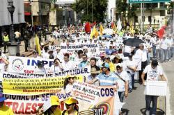 Así transcurrió la marcha del Día del Trabajo en Bucaramanga