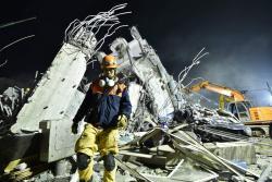 Este es el panorama en Taiwán después de un sismo de 6,4.