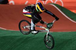 Espectaculares imágenes nos dejan nuestros medallistas de BMX