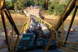 Imágenes del puente en Casanare que se cayó por sobrepeso