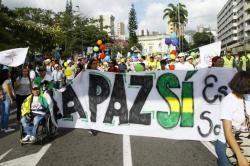 Los bumangueses se manifestaron en las calles, en apoyo a la firma de la paz con las Farc.