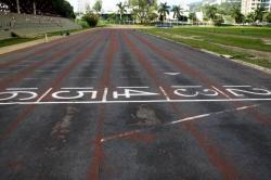 Imágenes del abandonado estadio de atletismo de Bucaramanga