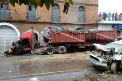 Imágenes del grave accidente de tránsito en San Gil, Santander