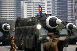 Corea del Norte mostró sus misiles en un gran desfile militar