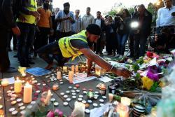 Conmovedoras imágenes en honor a las víctimas del atentado en Manchester