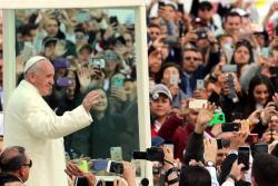 Imágenes de la multitudinaria misa del Papa en el Simón Bolívar