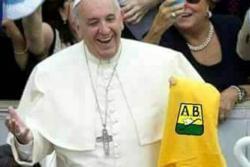 Los mejores memes tras la visita del Papa a Colombia.