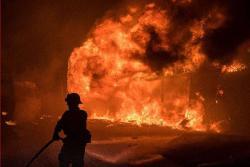 Imágenes del incendio descontrolado que provocó miles de evacuaciones en California