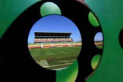Desde un ángulo diferente uno de los reporteros gráficos de Vanguardia Liberal retrató el Estadio Alfonso López de Bucaramanga, sede oficial del Atlético Bucaramanga. El escenario deportivo fue inaugurado en 1941 y tiene una capacidad para alrededor de 45 mil espectadores.