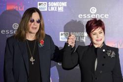 A la esposa de Ozzy Osbourne se le cayó un diente en plena entrevista por televisión
