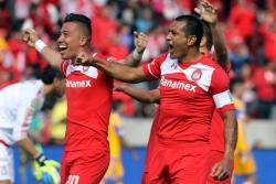 Con este gol del colombiano Fernando Uribe, el Toluca vence a los Tigres de Gignac