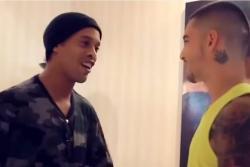 Vea el emotivo encuentro entre Maluma y Ronaldinho