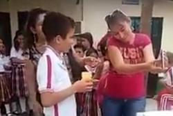 Escandaloso video evidencia precaria alimentación a estudiantes