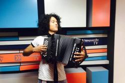 Músico santandereano se hizo viral por sus 'covers' en acordeón