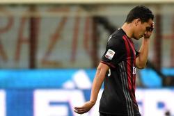 Pese a gol de Carlos Bacca, Milan queda fuera de la Europa League