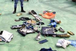 Publican las primeras imágenes de los restos del avión de Egyptair