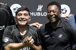 Pelé y Maradona criticaron a Messi en un evento en París