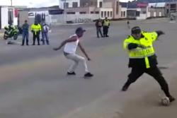 Partido de fútbol entre camioneros y policías en Boyacá causa admiración