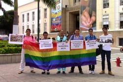 Bandera de comunidad Lgbti en la Alcaldía Bucaramanga generó aplausos y polémica