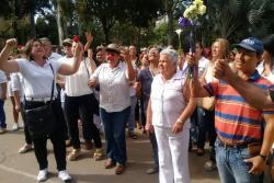 Comunidad del Socorro protesta por brutal asesinato de embarazada para robarle el bebé