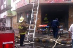 Incendio consumió un restaurante en el centro de Bucaramanga