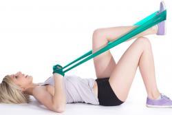 Aprenda a tonificar sus músculos con bandas elásticas