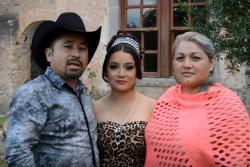 Con un campamento celebrarán 'los quince de Rubí' en México