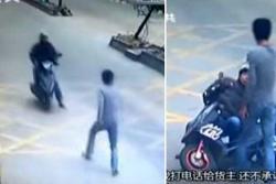Derribó a un ladrón motorizado con patada voladora de kung-fú