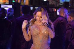 Vergonzosa presentación de Mariah Carey en la fiesta de Nueva York