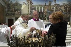 Papa Francisco exhortó a las madres a darle el pecho a sus bebés en plena ceremonia