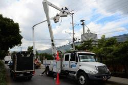 Registran robo a vehículo de la Electrificadora de Santander en Girón