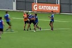Video registró puñetazos entre dos jugadores del Boca Juniors durante entrenamiento