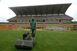 En dos semanas se podría utilizar el nuevo césped del estadio Alfonso López