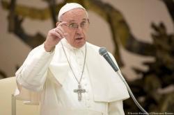 """Papa Francisco pidió a los jóvenes dejar la vida """"cómoda y segura del sofá"""""""