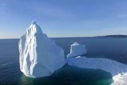Vea el espectacular iceberg que apareció en costas de Canadá