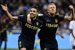 Mónaco ganó 2-1 y asumió el liderato de la liga francesa en casa.
