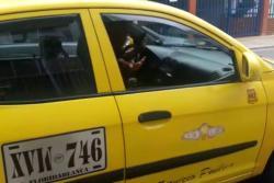 Video registró a taxista que negó un servicio porque había trancón en Bucaramanga