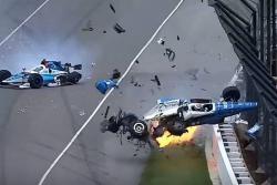 Increíblemente, ninguno de los pilotos resultó con heridas de consideración.