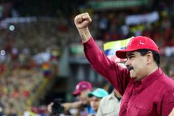 """Maduro pedirá ayuda al Papa para que la oposición """"cese de usar niños"""""""