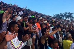 Violento enfrentamiento entre hinchas del América y Nacional en Medellín