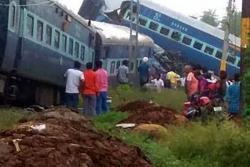 Descarrilamiento de tren deja 23 muertos en India