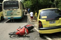 Cinco heridos dejó choque múltiple en Floridablanca
