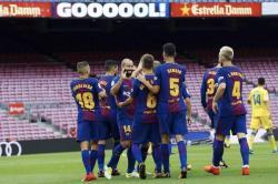 Barcelona, a puerta cerrada, ganó a Las Palmas y se mantiene como líder