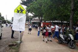 Denuncian que 119 estudiantes en Santander se quedaron sin transporte escolar