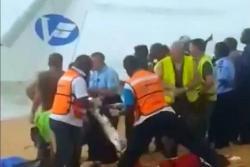 Un video registró el rescate de las víctimas de un accidente aéreo en África