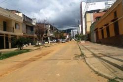 Denuncian que dejaron obra a 'medias' en barrio de Bucaramanga.