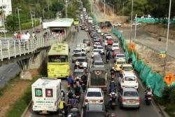 Por un camión varado, colapsó movilidad en autopista Floridablanca-Bucaramanga